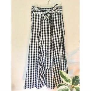 High-Waisted Gingham Maxi Skirt with Pockets